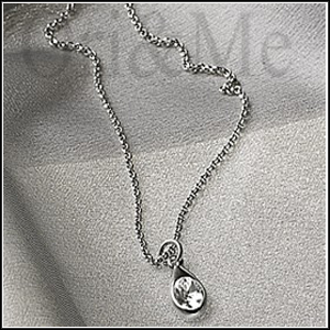 silver-drop-necklace