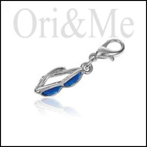 charm-sunglass-pendant
