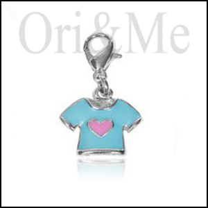 charm-t-shirt-pendant
