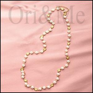 feminine-necklace