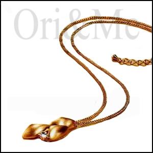 gold-leaf-necklace