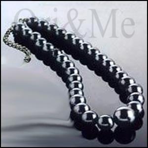 grey-pearl-necklace