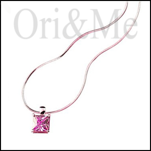 pink-crystal-quadrate-necklace