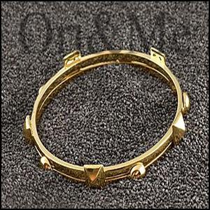 studded-bracelet